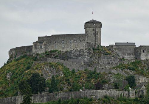 Castillo de Lourdes y Museo Pirenaico