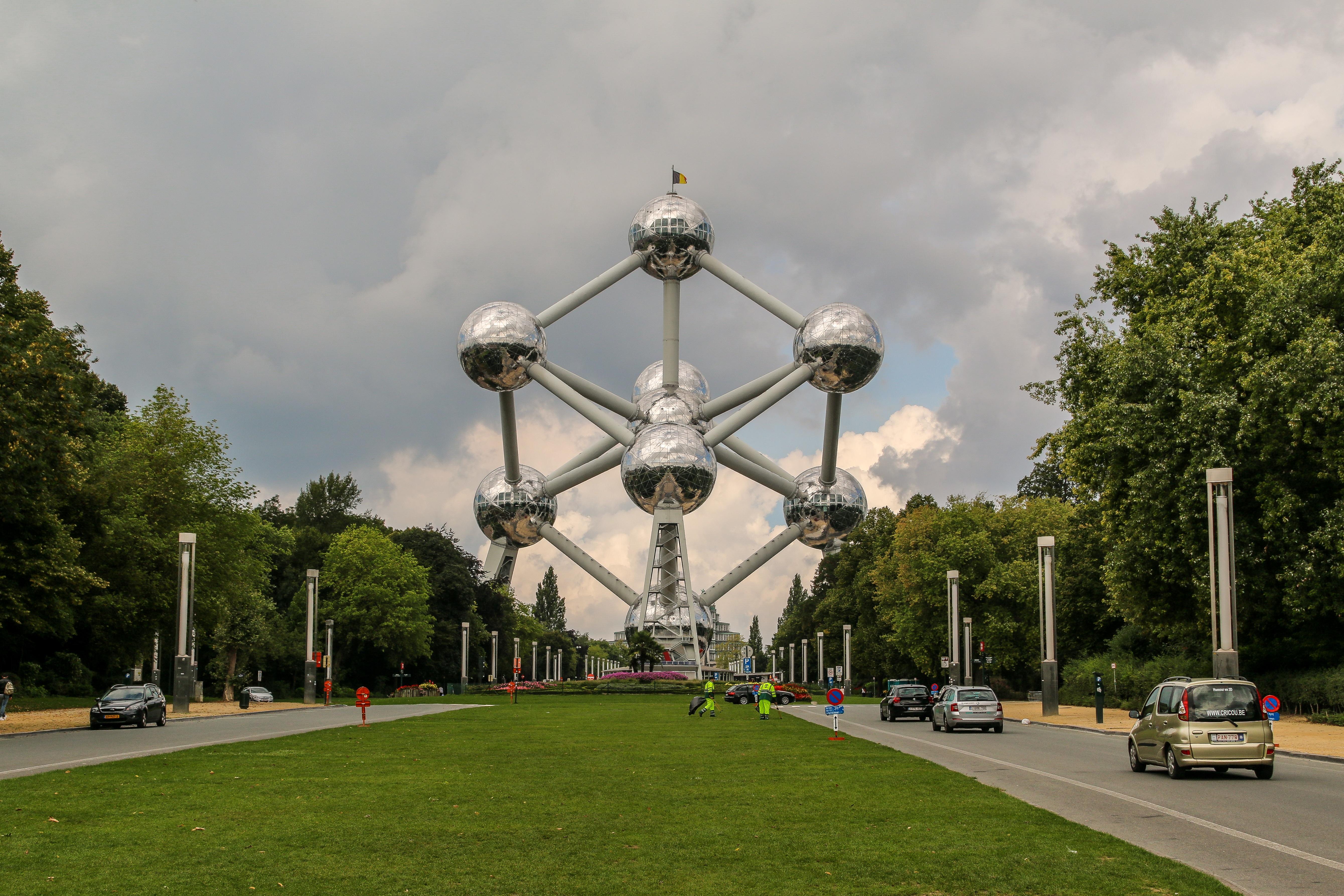 atomium bruselas viajeros por el mundo