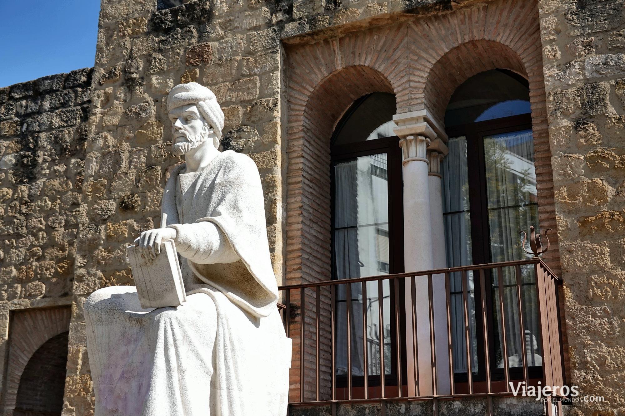 Estatua de Averroes - Viajeros por el Mundo