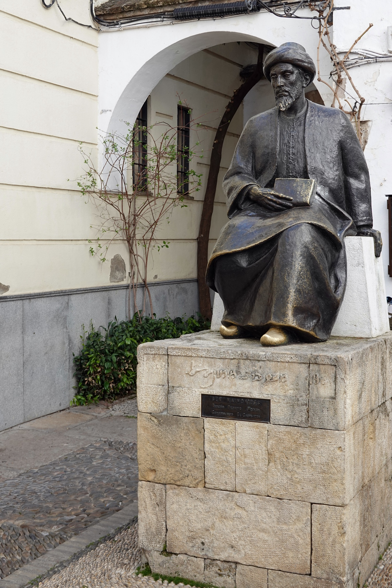 Estatua de Maimónides - Viajeros por el Mundo