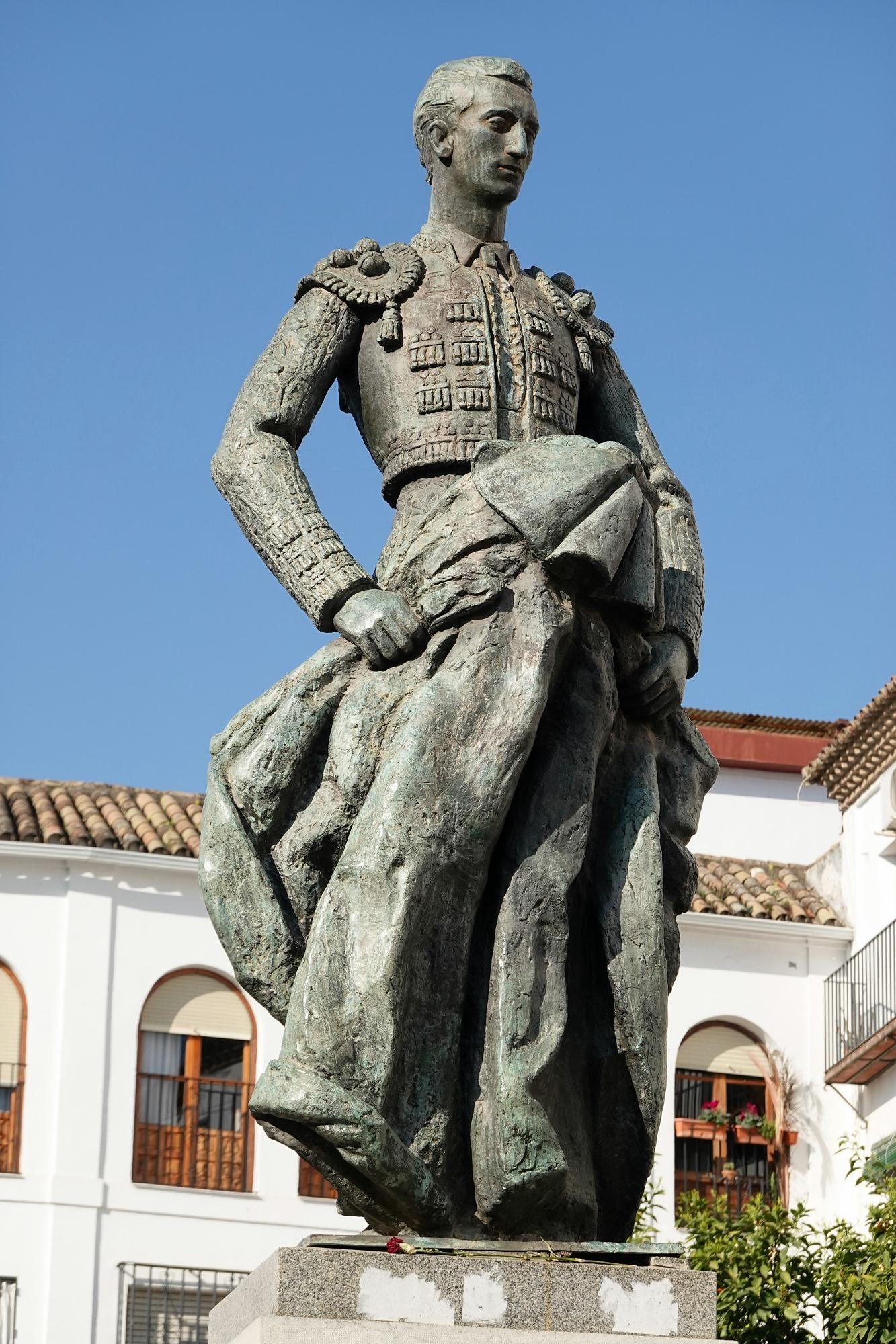 Monumento a Manolete - Viajeros por el Mundo
