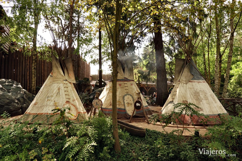 Tiendas de los indios en Frontierland