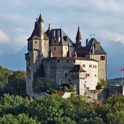 Castillo del Menthon Saint-Bernard
