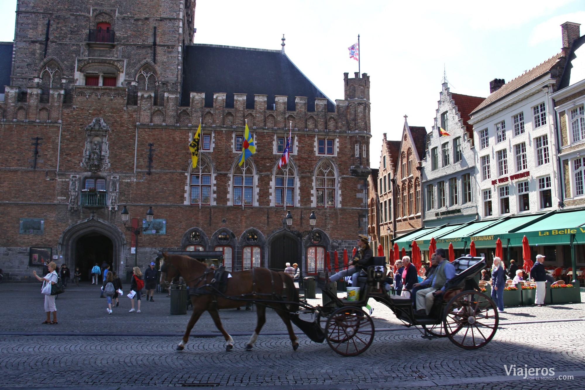 Plaza Burg, centro político de Brujas - Viajeros por el Mundo