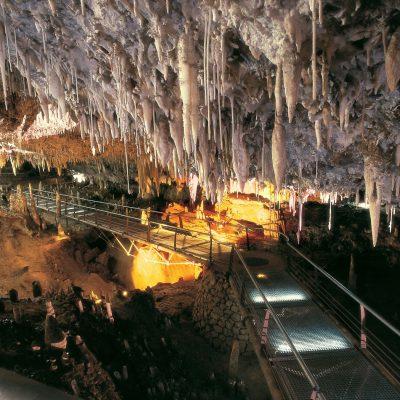 Cueva de El Soplao, una magia geológica