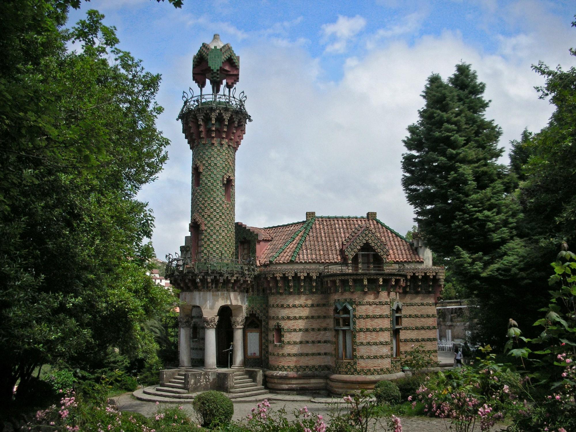 qué ver en Cantabria Castillo de Gaudí