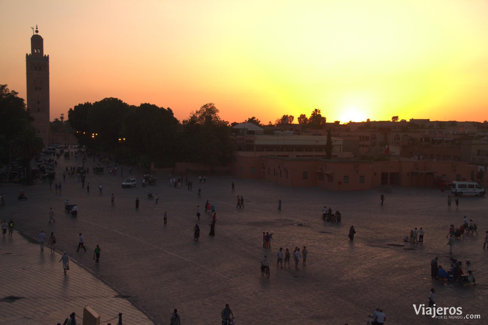 Plaza Yamaa el Fna - Viajeros por el Mundo