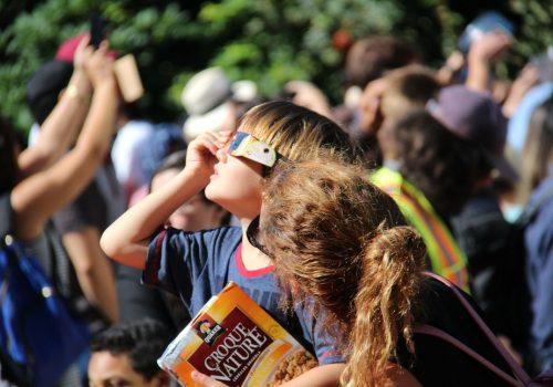 Consejos para ver un eclipse en familia