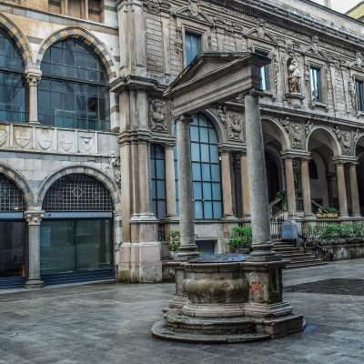 Piazza dei Mercanti, Milán